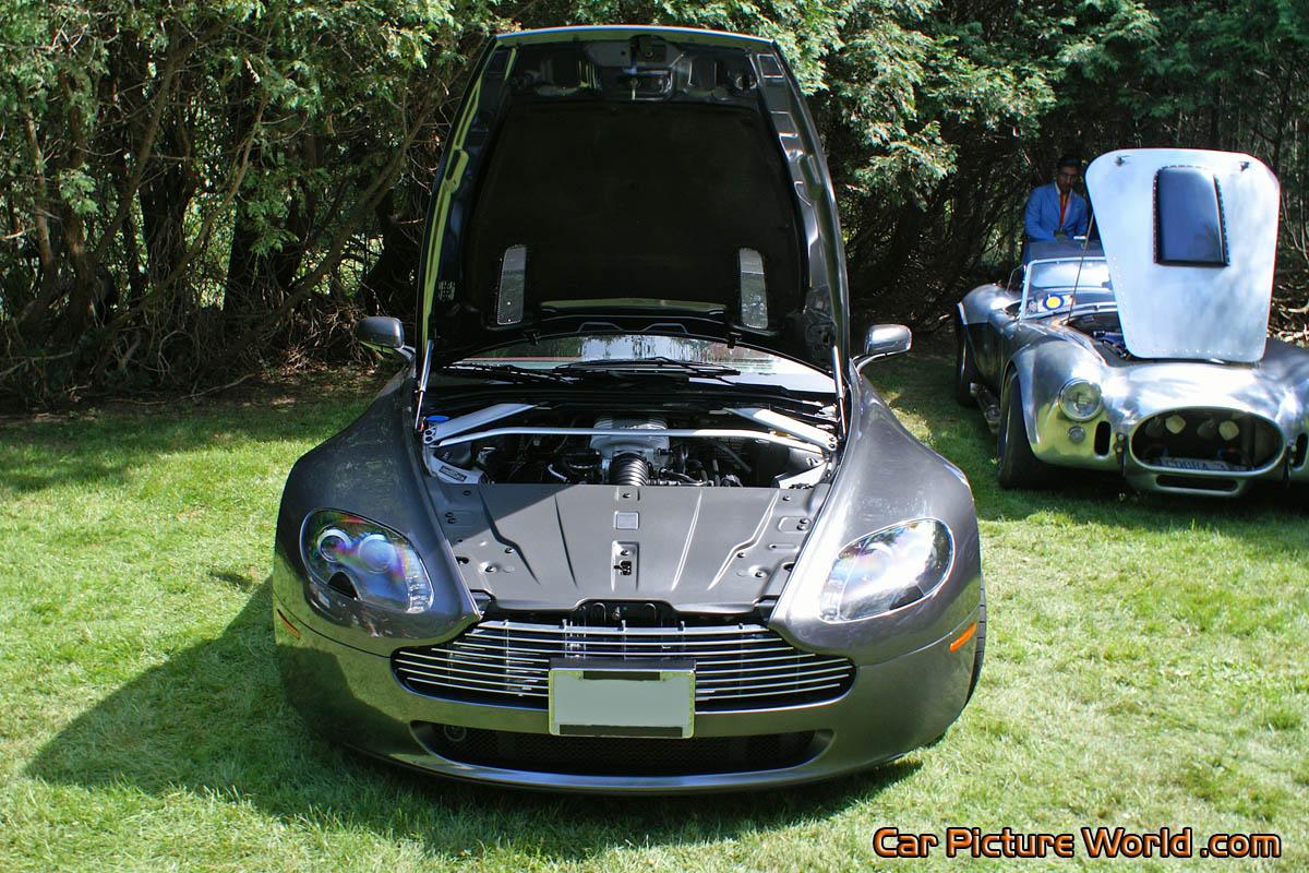 V8 Vantage Front