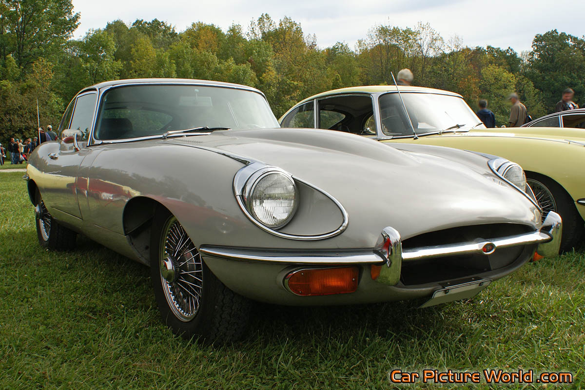 Jaguar E-Type Front Right